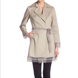 BNWT Elie Tahari Kathy Lace-Trimmed Trench Coat XS